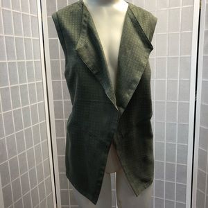 Chicos Woman vest green olive Size 2 Spring Perfec